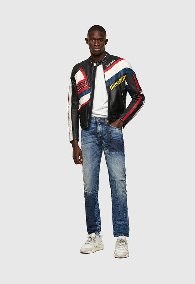https://at.diesel.com/dw/image/v2/BBLG_PRD/on/demandware.static/-/Library-Sites-DieselMFSharedLibrary/default/dwd8001b89/CATEGORYOV/2X2_D-STRUKT_DENIM-SPRING-LAUNCH_A02182_009NI_01_C.jpg?sw=622&sh=907