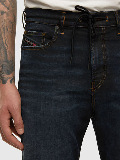 Diesel - D-VIDER JoggJeans® 009HE, Dunkelblau - Jeans - Image 3