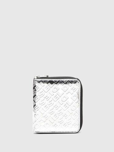 Metallic-Portemonnaie mit umlaufendem Reißverschluss und Prägung