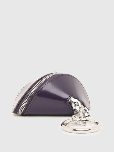 Taschenanhänger aus glänzendem Leder