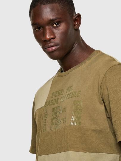 Diesel - T-ATCHWORK, Armeegrün - T-Shirts - Image 3