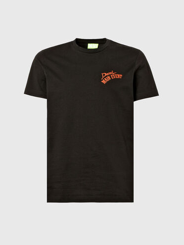Nachhaltig hergestelltes T-Shirt mit Aufdrucken in Reliefoptik