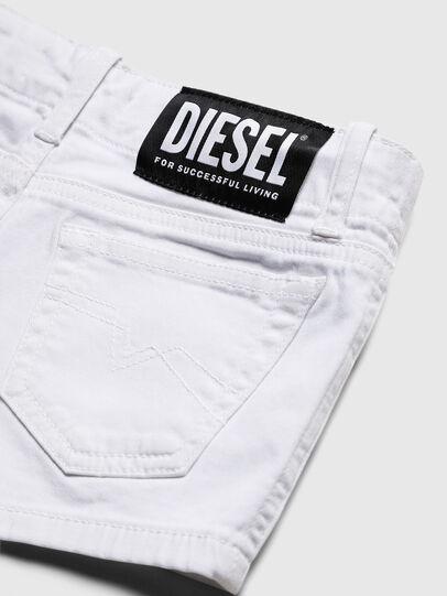 Diesel - PRIRAZ-N, Weiß - Kurze Hosen - Image 4