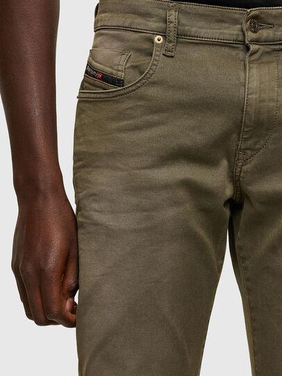 Diesel - D-Strukt JoggJeans® 0670M, Armeegrün - Jeans - Image 3