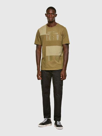 Diesel - T-ATCHWORK, Armeegrün - T-Shirts - Image 5