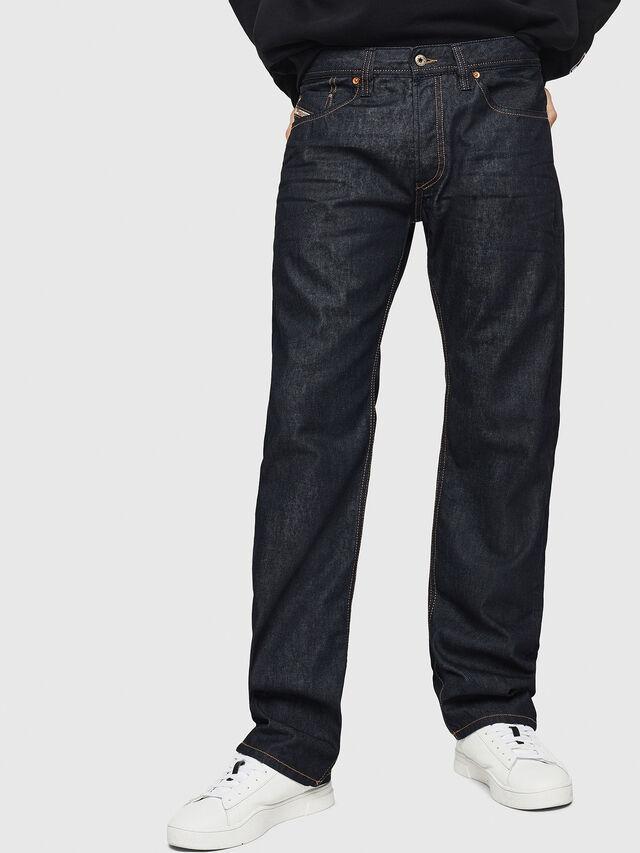 Diesel - Larkee-Relaxed 0088Z, Dunkelblau - Jeans - Image 1