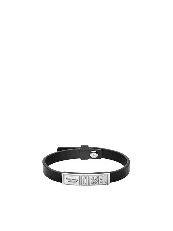https://at.diesel.com/dw/image/v2/BBLG_PRD/on/demandware.static/-/Sites-diesel-master-catalog/default/dw895c5118/images/large/DX1226_00DJW_01_O.jpg?sw=594&sh=792