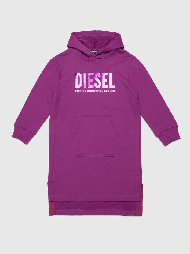 https://at.diesel.com/dw/image/v2/BBLG_PRD/on/demandware.static/-/Sites-diesel-master-catalog/default/dw90b9c008/images/large/00J51X_0IAJH_K634_O.jpg?sw=622&sh=829