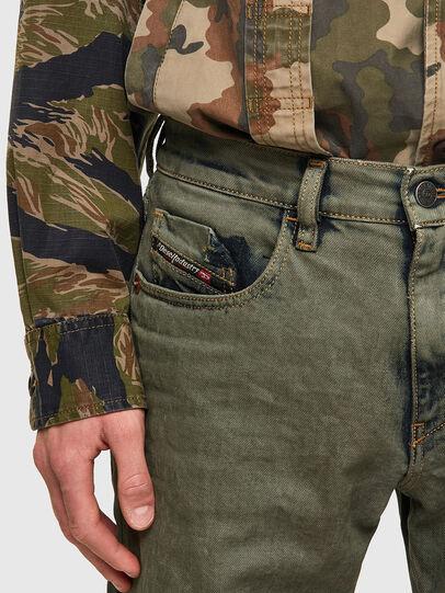 Diesel - D-Strukt 09A50, Armeegrün - Jeans - Image 4