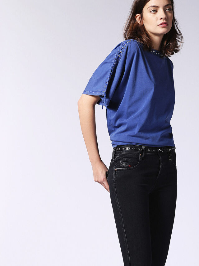 T-LEOX-A, Brillantblau