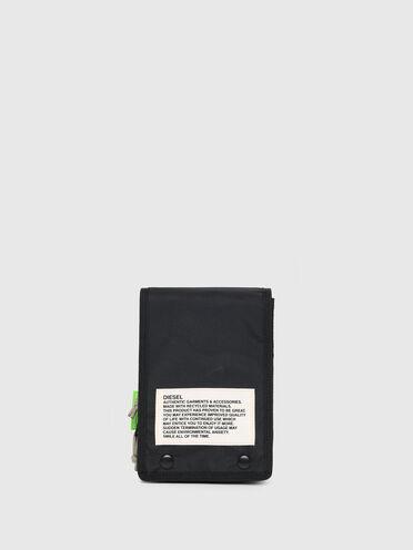 Nachhaltig hergestellte Crossbody-Tasche in Zweitonoptik