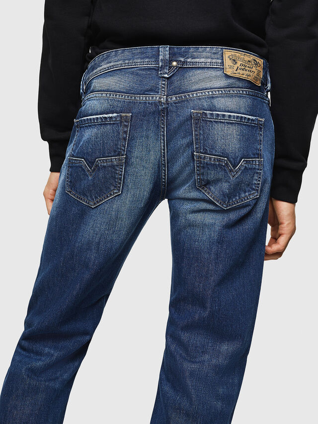 Diesel - Larkee 008XR, Mittelblau - Jeans - Image 4