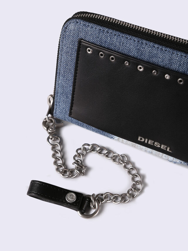 24 ZIP WITH CHAIN, Hellblau