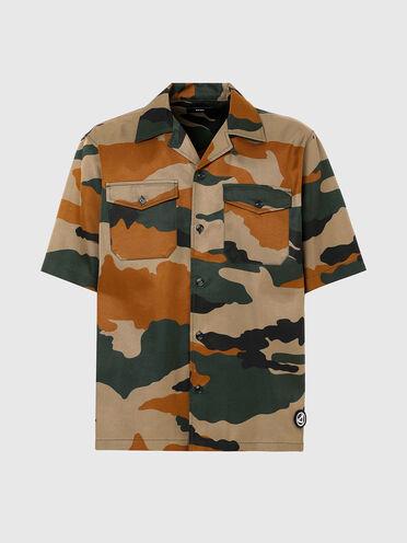 Hemd mit kubanischem Kragen und Camouflage-Muster