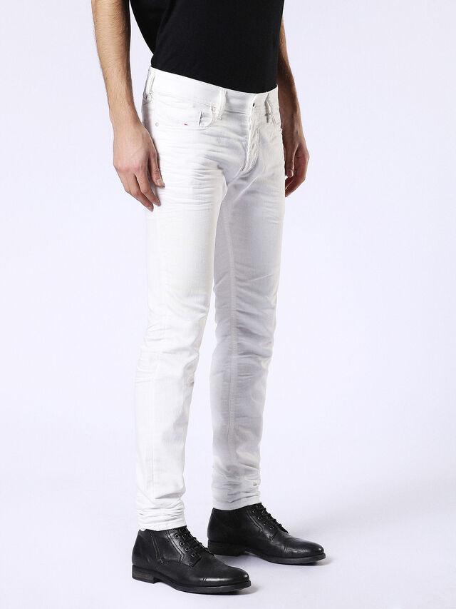 Sleenker 084CY, Weiß