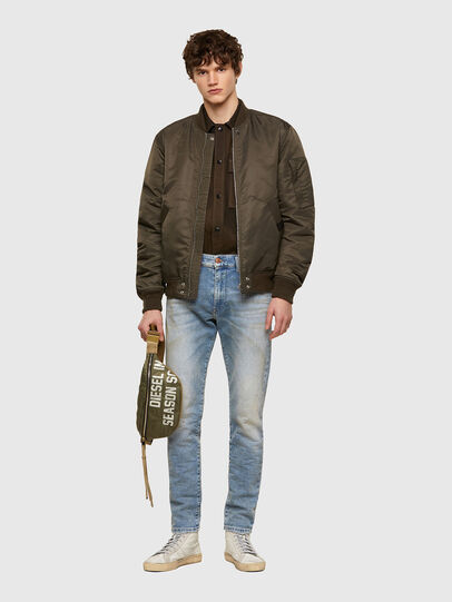 Diesel - D-Strukt JoggJeans® 069UU, Hellblau - Jeans - Image 5