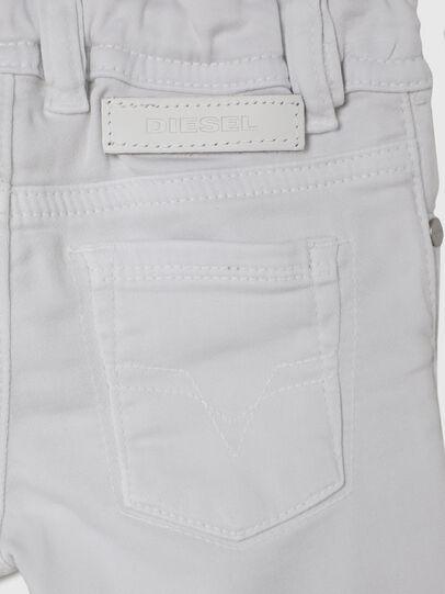 Diesel - SLEENKER-B JOGGJEANS-N, Weiß - Jeans - Image 4