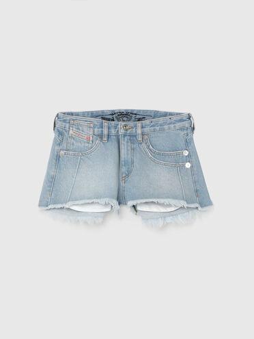 Shorts aus festem ausgefranstem Denim