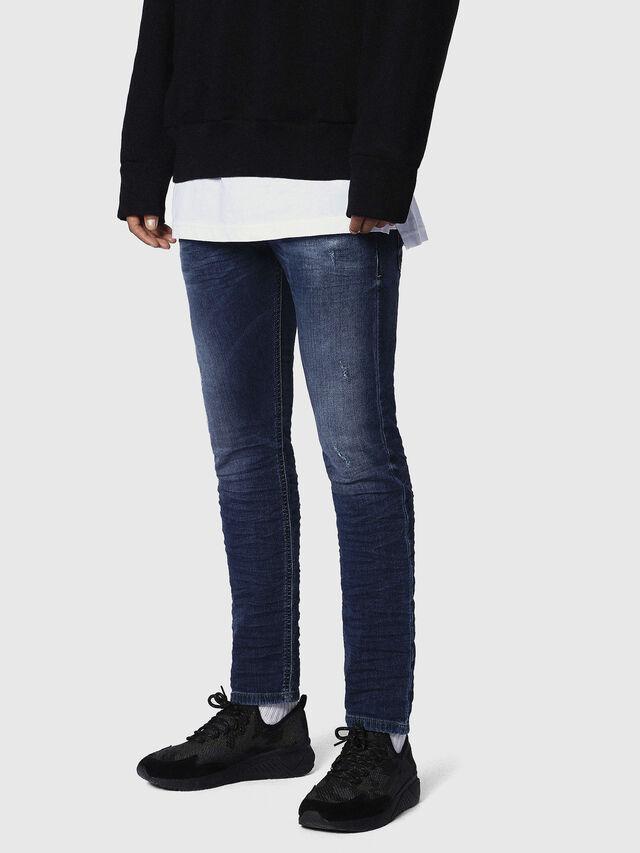 Diesel - Krooley JoggJeans 0686W, Dunkelblau - Jeans - Image 3