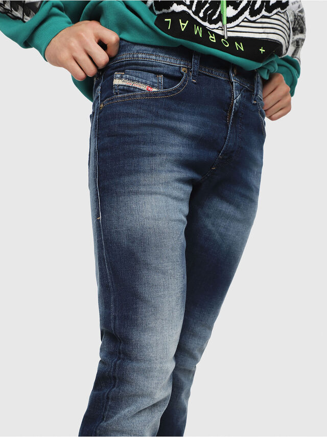 Diesel - Thommer 084GR, Mittelblau - Jeans - Image 3