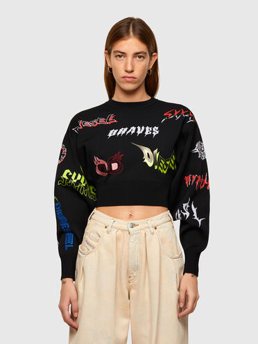 Pullover im Cropped-Style mit mehreren Logos