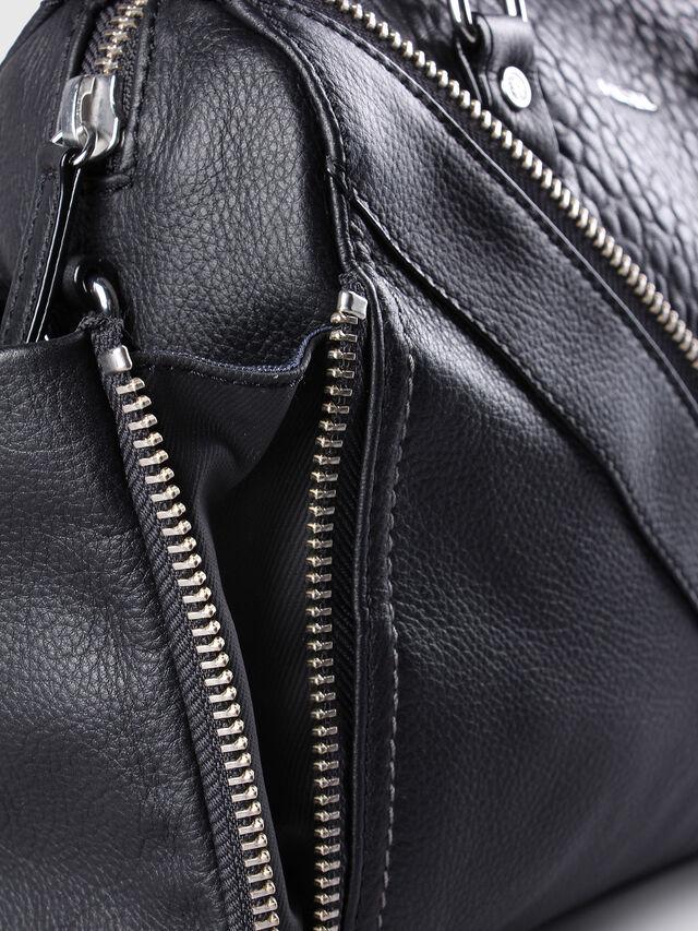 Diesel - LE-TRASY, Lederschwarz - Satchel Bags und Handtaschen - Image 4